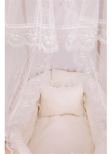 Bebe Konfor Krem Fransız Dantel Uyku Set Doğal Ahşap Çatılı Sepet Beşik Krem